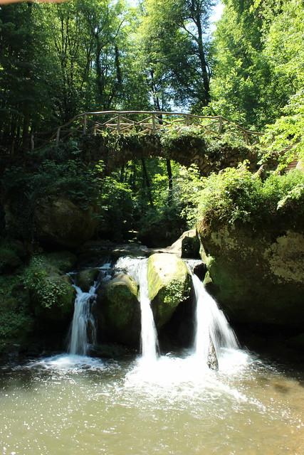 Schiessentümpel mit Brücke im Müllerthal