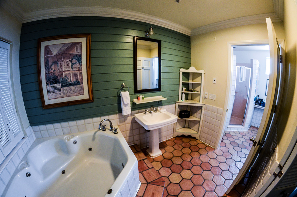 Master bathroom OKW