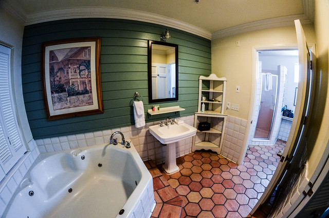 Master bathroom OKW