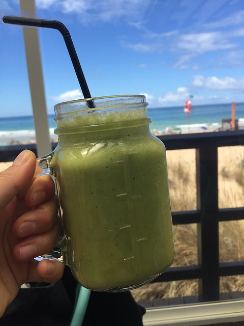 Grön Smoothie with a view