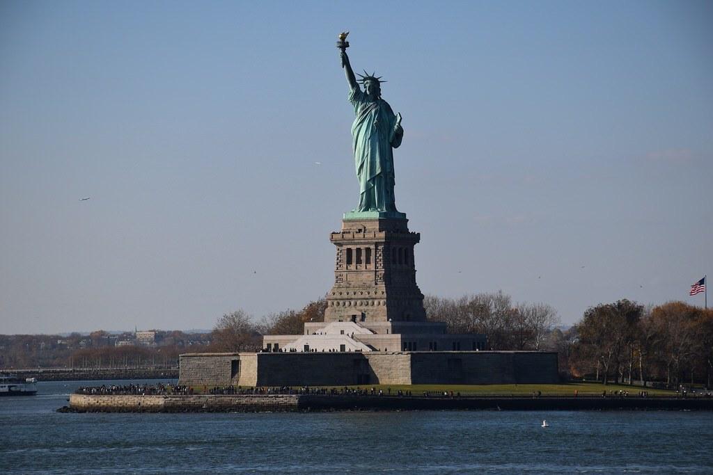 Vista de la estatua de la libertad desde el ferry.