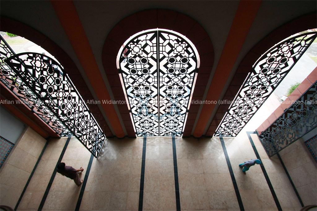 Masjid Kampus UGM, Sebuah Hikayat dan Ruang Bagi Perbaikan.