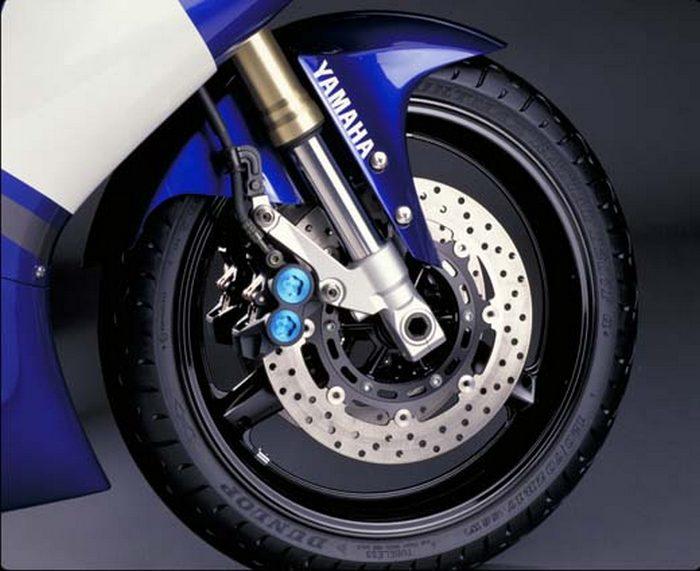 Yamaha YZF-R1 1000 2000 - 17