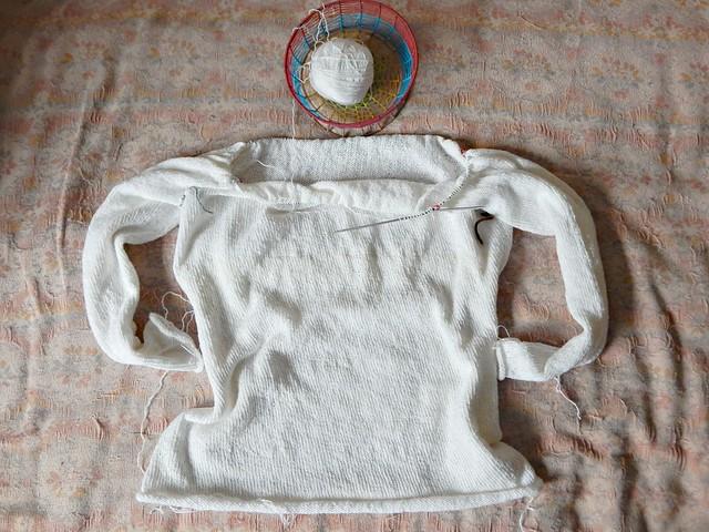 свитер - кокетка номер 3 | white sweater, 3rd re-knit