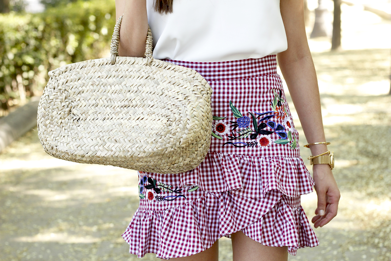 Vichy skirt with embroidered flowers rafia bag heels summer outfit style16