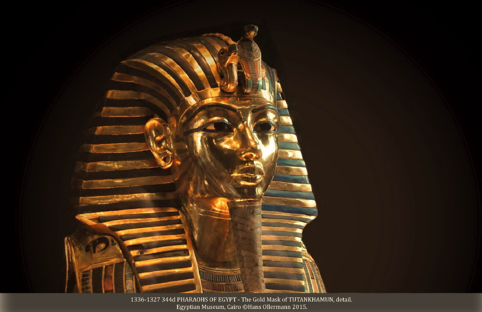 1336-1327 344d PHARAOHS OF EGYPT - The Gold Mask of TUTANKHAMUN, detail. Egyptian Museum, Cairo ©Hans Ollermann 2015.