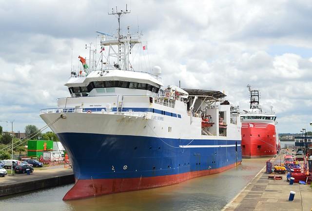 Atlantic Enterprise + Siem Moxie (4) @ Gallions Reach 05-06-17
