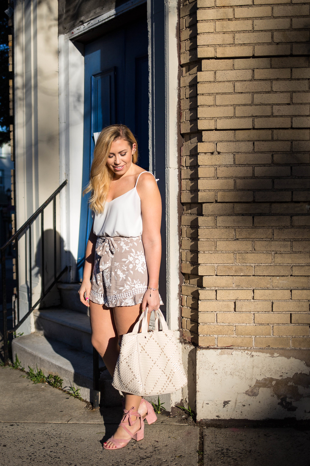 Neutral Summer Outfit Embroidered Tan Shorts Topshop Rouleau Swing White Camisole Deux Lux Barrow Tote