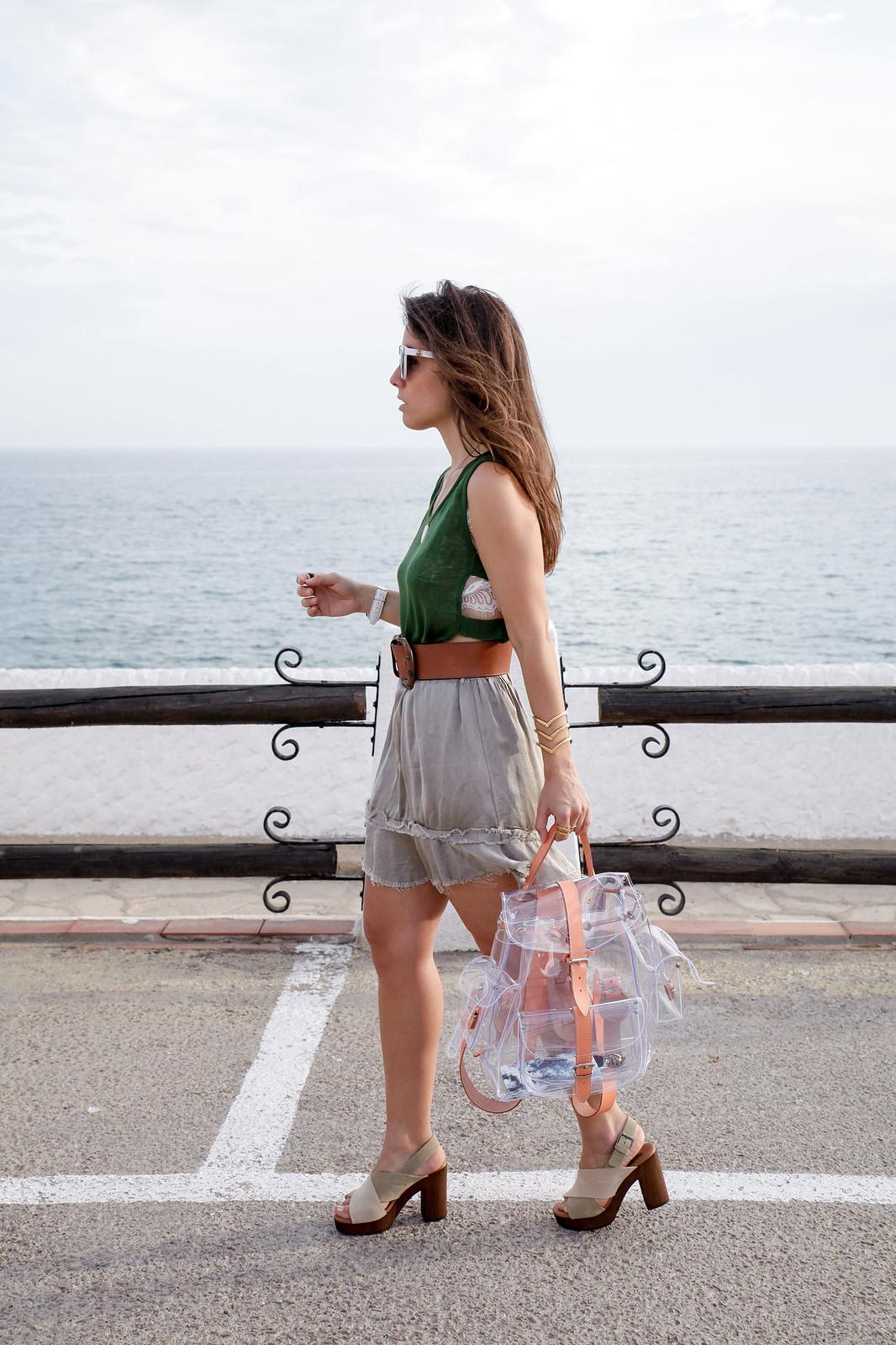 02__como_llevar_una_blusa_semitransparente_theguestgirl_blusa_kaki_barcelona