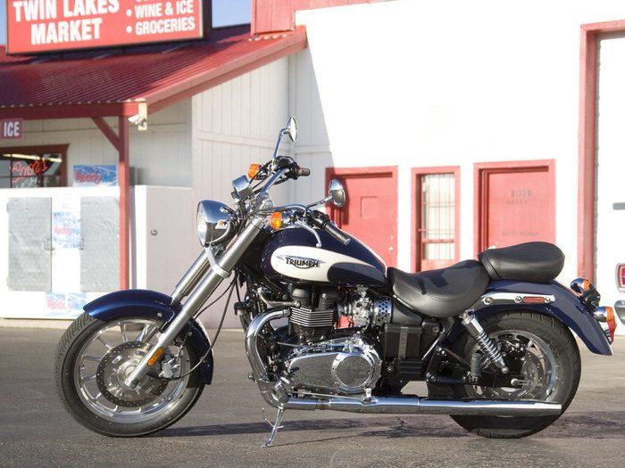 Triumph 800 BONNEVILLE AMERICA 2001 - 22
