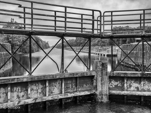 river shannon victoria lock schleuse fluss