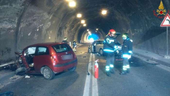 Incidente in Calabria: traffico bloccato sulla A2 e deviazioni in corso