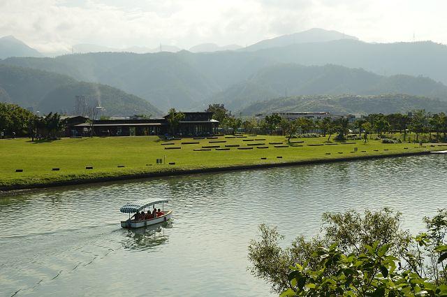 東山河生態綠舟56