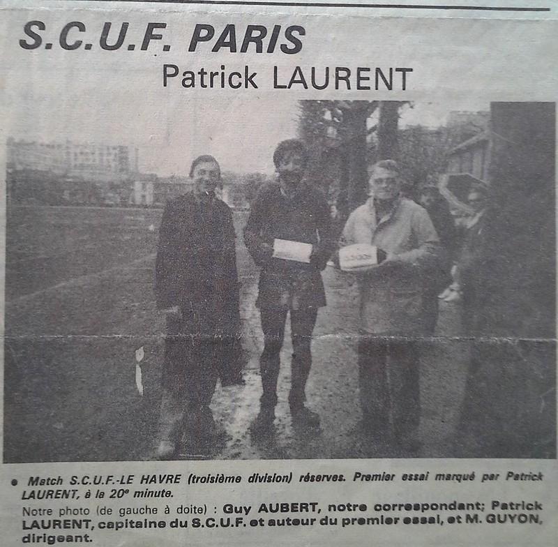 Match SCUF–Le Havre (troisième division) réserves. Premier essai marqué par Patrick LAURENT, à la 20e minute. Sur la photo (de gauche à droite) : Guy AUBERT, notre correspondant; Patrick LAURENT, captaine du SCUF et auteur du premier essai, et M. GUYON, dirigeant.