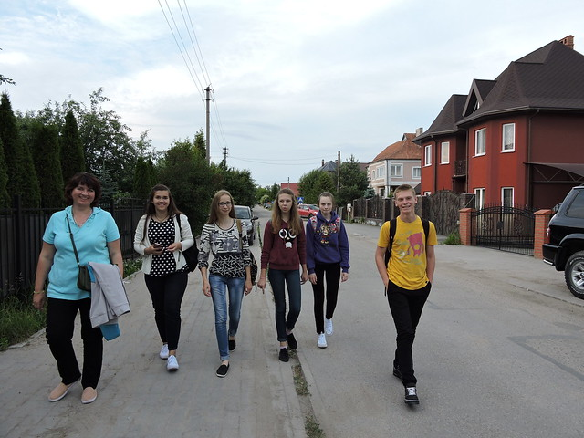 Walking_down_Great_Isakovo