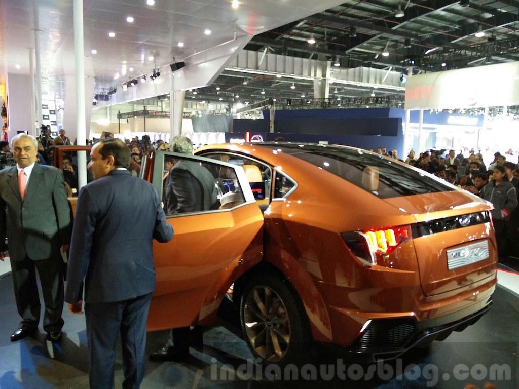 Mahindra-XUV-Aero-rear-end-at-the-Auto-Expo-2016