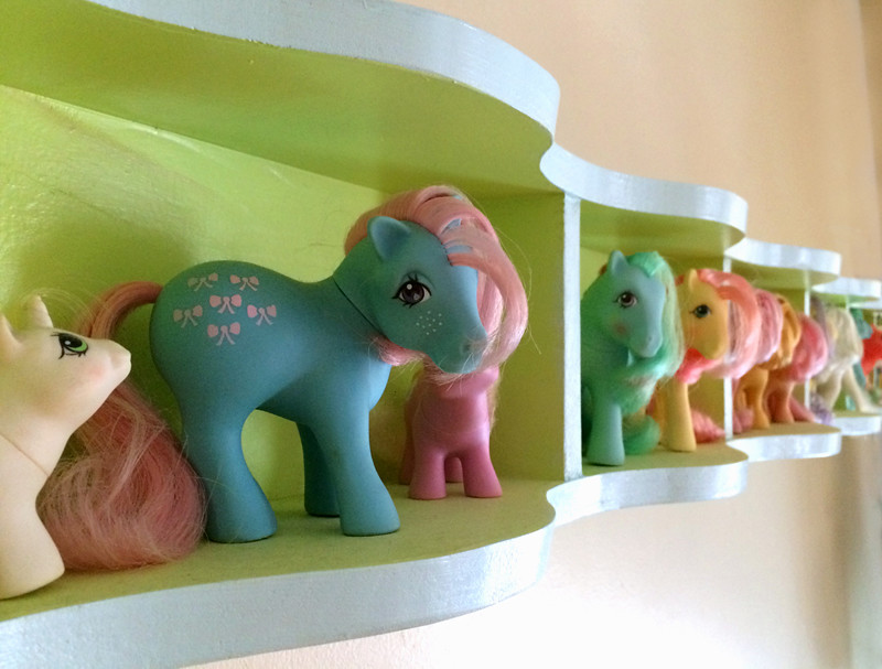 the pony shelf