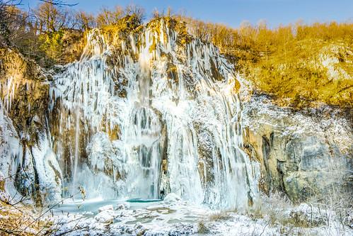 plitvice lake waterfall winter crotia nature landscape water