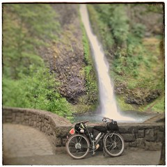Currently: Horestail Falls, Columbia River Gorge. Heading west to home. #horsetailfalls #columbiagorge #midweekgorgeridejune2017 #pedalpalooza2017 #pedalpalooza