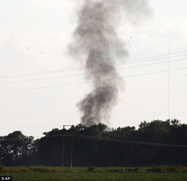 تحطم طائرة عسكرية في أمريكا  (7)