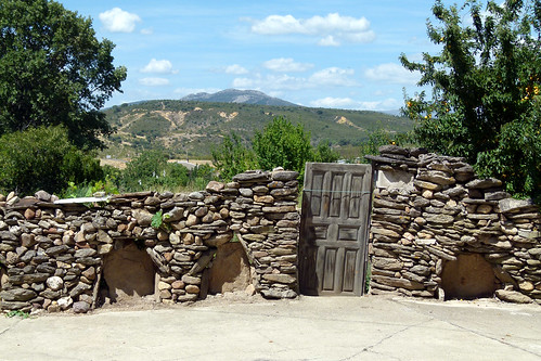 ZARZUELA DE JADRAQUE (Guadalajara). Spain. La Serranía. 2014. Muro en piedra seca.