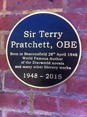 Photo of Terry Pratchett black plaque