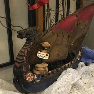 ドラゴンボートとMr.ホリディ