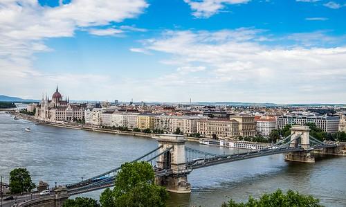 danube river fuji xe2 x mount landscape cityscape chain bridge budapest széchenyi lánchíd hungarian parliament országház travel photography hungary