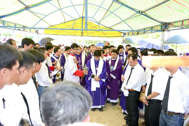 Lễ An Táng Thân Phụ Đức TGM Giuse Nguyễn Chí Linh - Ảnh minh hoạ 24