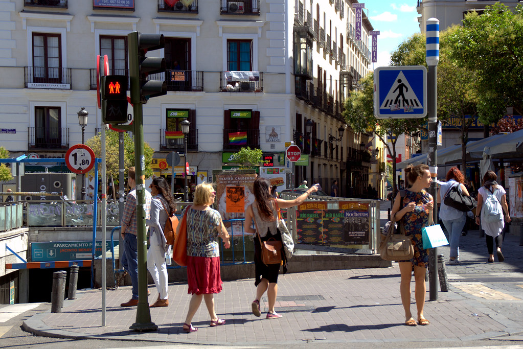 Calles de Madrid: plaza de Jacinto Benavente