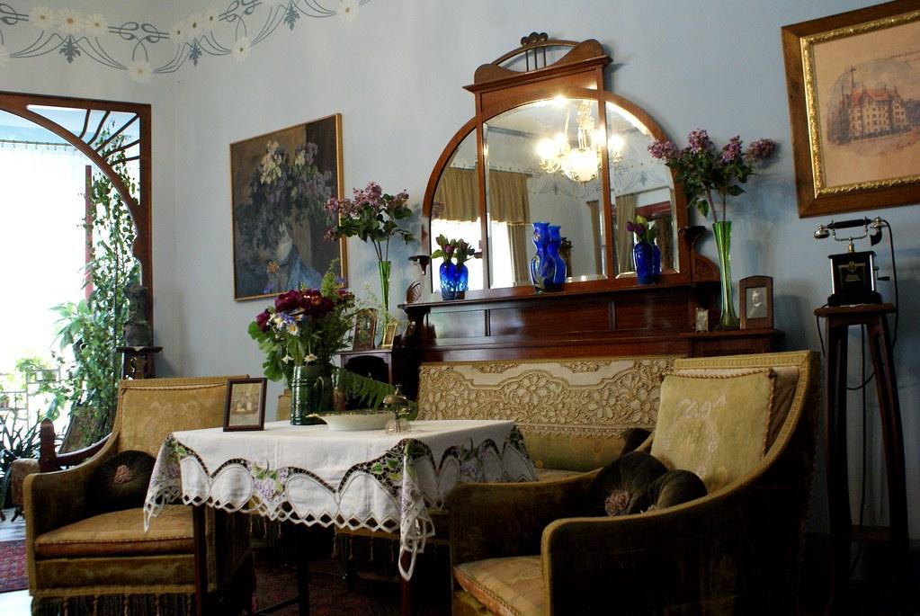 Reconstitution du salon dans le musée d'art nouveau de Riga.