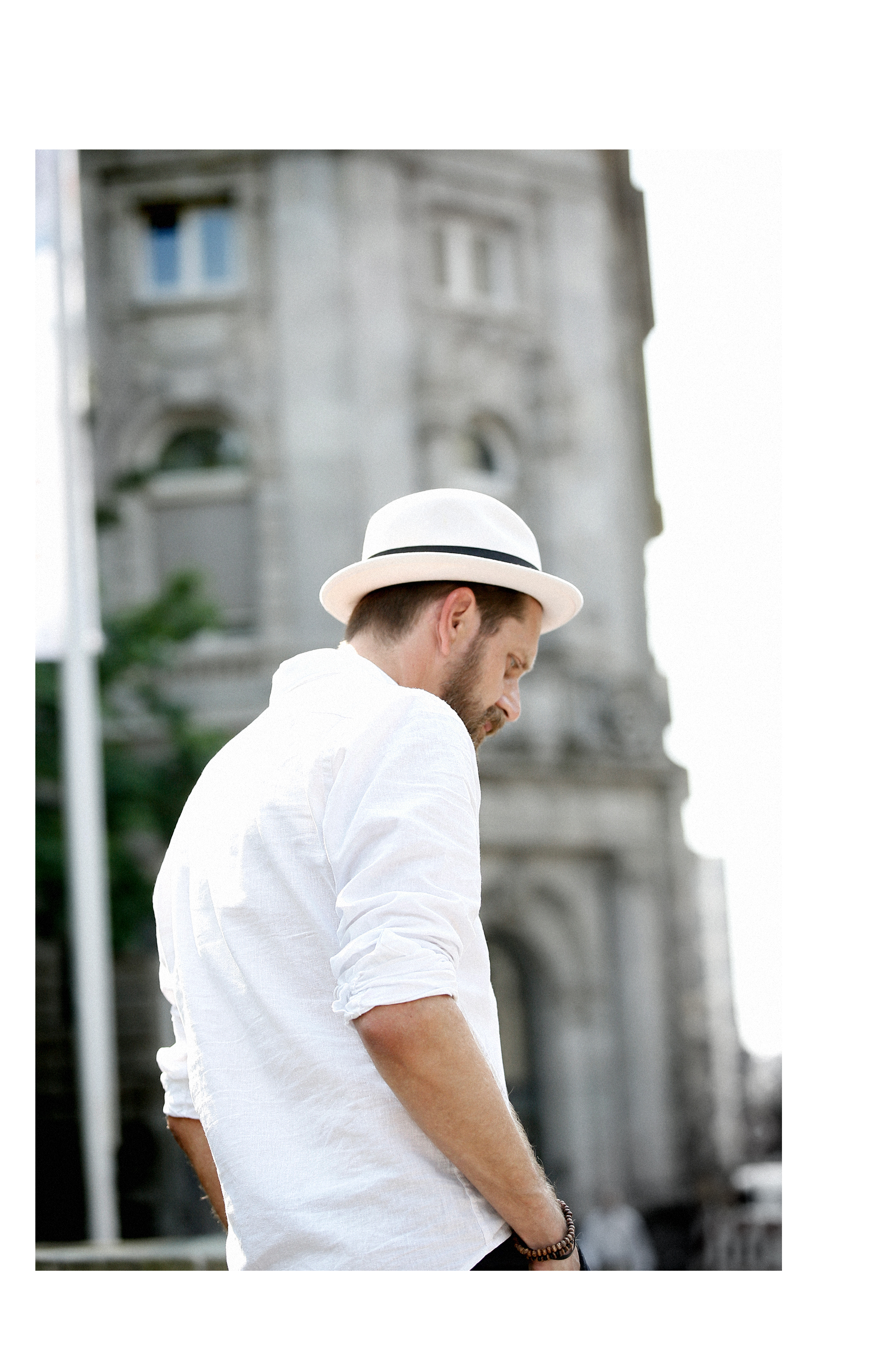outfit white summer chic business sporty hat stetson zara man linen shirt elegant menlook menfashion manfashion beardedmen mann mit bart sacha schuhe leder schnürschuhe leather boots max bechmann style fashionblogger düsseldorf cats & dogs outfit 2