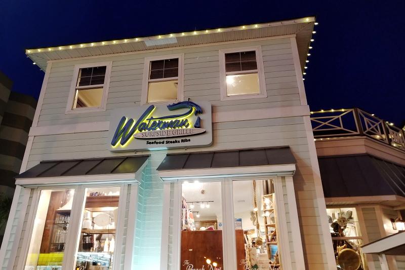 watermans-surfside-grill-shop-boutique-16