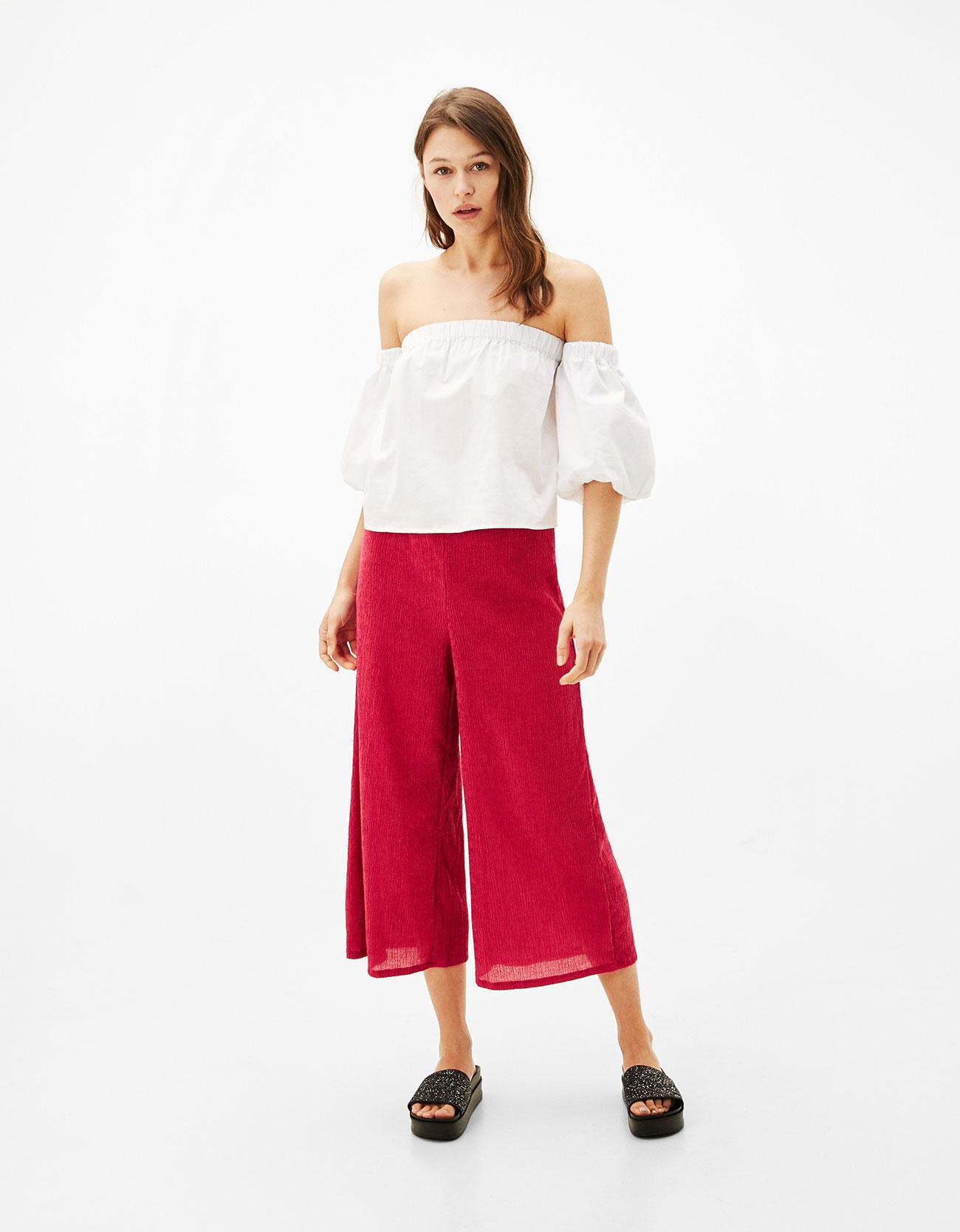 Pantaloni culotte rosa texture Bershka
