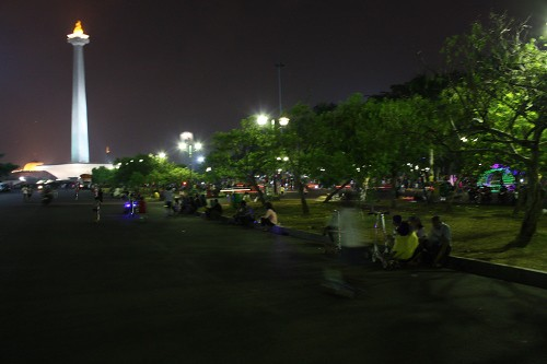 monas_at_night