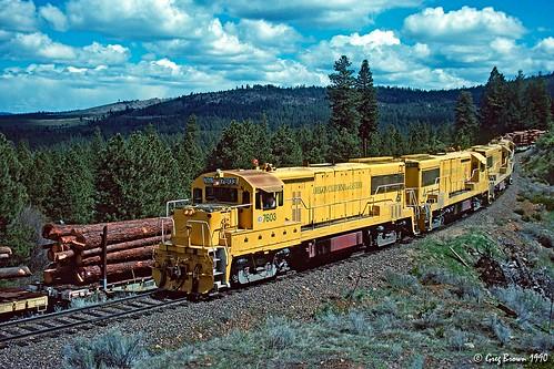 oregoncaliforniaeastern oce ocerailway morrisonknudsen te704s logging logtrain klamathcounty oregon railroads trains timberindustry