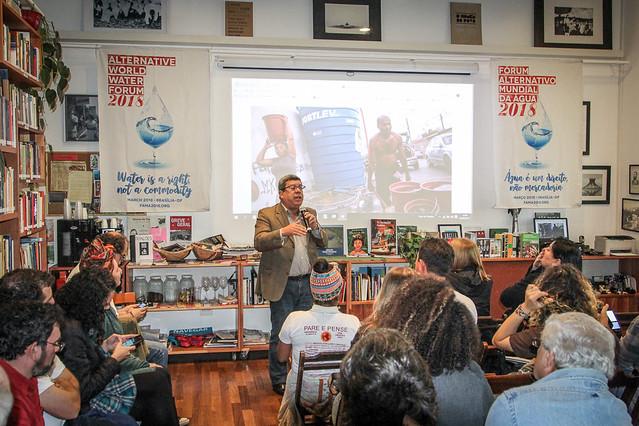Edson Aparecido discursa durante o chamamento público para o Fórum Alternativo Mundial da Água, em São Paulo - Créditos: Rafael Stedile