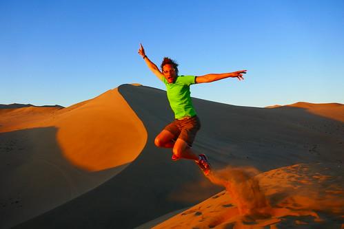 china dunhuang gobidesert dunes sand sunrise jump