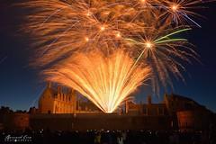 Gerbe de lumière et bouquets sur le château, feu d'artifice du 14 juillet, Nantes :copyright: Bernard Grua
