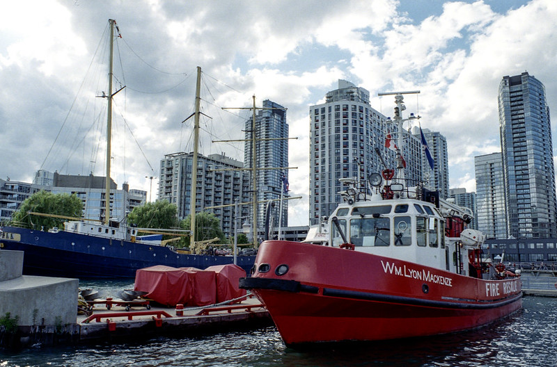 Wm Lyon Mackenzie Fireboat