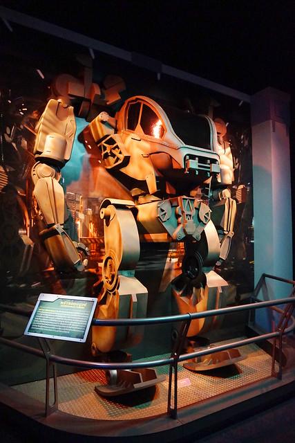 หุ่น AMP suit
