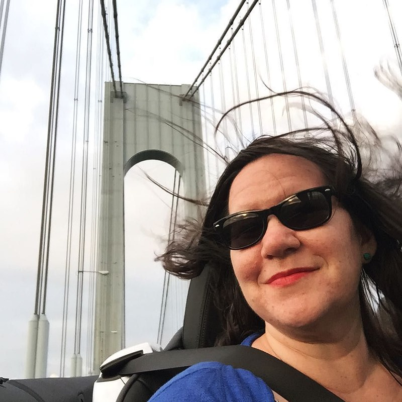 Convertible hair, don't care. When you can ride with the top down, you choose the bridges. . #carsharenyc #roadtrip #sponsored #newyork #nyc #manhattan #beachday #windyhair @enterprisecarshare