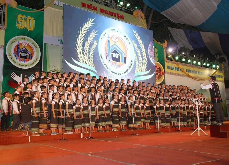 Hình ảnh Đêm Diễn Nguyện Mừng Kim Khánh Giáo phận Ban Mê Thuột