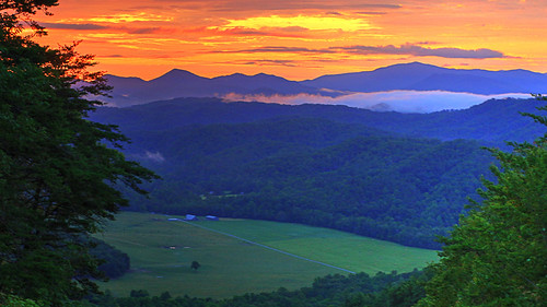 sunrise daen great smoky mountains national park foothills parkway tennessee