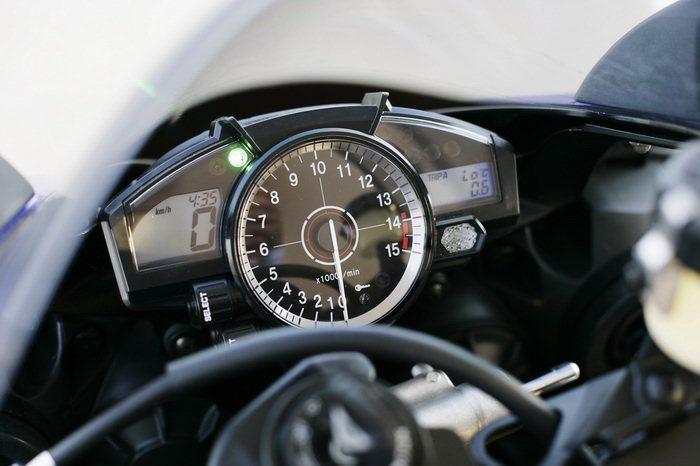 Yamaha YZF-R1 1000 2007 - 23