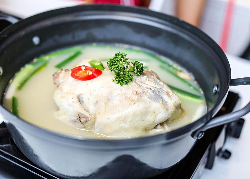seoul-yummy-ginseng-chicken-soup
