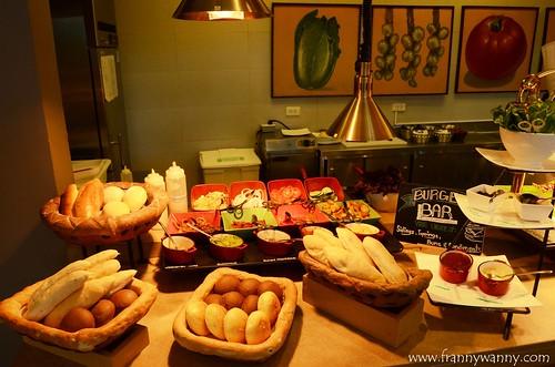 flavors holiday inn makati 12