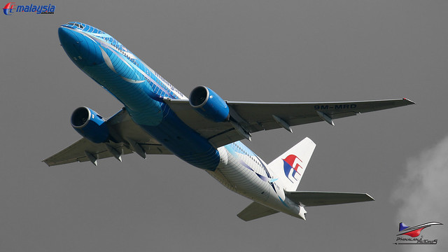Malaysia Airlines / Boeing 777-2H6(ER) /  9M-MRD / Heliconia colorscheme