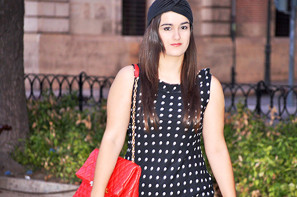 valencia something fashion blogger spain influencer streetstyle turban vintage polka dot dress_0096