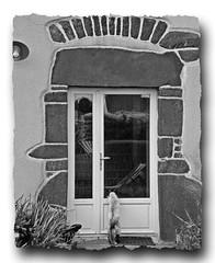 -16- St Maugan (35), à la porte de l'ancien presbytère - Photo of Boisgervilly